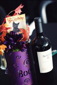 purple flowers for November wedding, Halloween wedding table centerpiece, red wine wedding drinks www.dreamyweddingideas.com