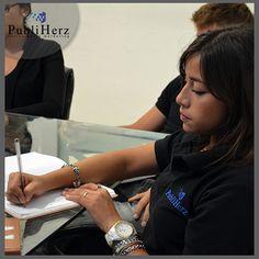 ¡Nuestro equipo de ventas en capacitación!    http://www.publiherz.com/    #SocialMedia #Publiherz