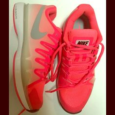 Womens nike vapor 9.5 shoe Womens neon coral nike vapor running shoe. Brand new shoes!! Super bright and cute just don't fit. Nike Shoes Athletic Shoes