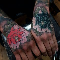 """8,704 Likes, 74 Comments - Elliott Wells (@elliottwells666) on Instagram: """"A bit bloody but did this black and grey peony cover up on sakuras hand today! Thanks for making…"""""""
