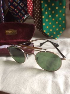 Oliver Peoples Soloist Round Aviators Green by FoxingOnTheFlyleaf The Soloist, Oliver Peoples, Aviators, Sunglasses Case, Trending Outfits, Unique Jewelry, Handmade Gifts, Green, Clothing