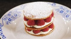 Millefeuille with mascarpone and raspberries Daily food - My CMS No Egg Desserts, Tolle Desserts, Great Desserts, Delicious Desserts, Dessert Recipes, Yummy Food, Eat Dessert First, Recipes From Heaven, Food Plating