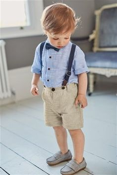 Ever seen a party outfit SO cute? Make him the star of the show with a short, shirt and braces combo he& feel the BOMB in. Toddler Wedding Outfit Boy, Wedding Outfit For Boys, Baby Boy Dress, Toddler Boy Outfits, Wedding With Kids, Baby Boy Suit, Summer Wedding, Outfits Niños, Kids Outfits