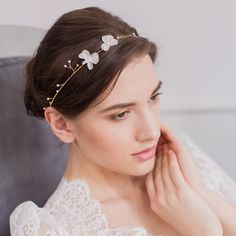 Gold wedding hair vine with pearls and silk flowers - 'Hareré'