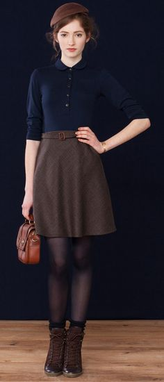Navy and brown! If the brown is cool enough, we are looking at Dark Winter. If the navy is warm enough, we are talking Dark Autumn.