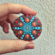 """26 Me gusta, 5 comentarios - Liona Hotta Stones (@lionahottastones) en Instagram: """"Soon on #myetsyshop #seastone #mandalaart #mandala #stoneart #mandalastones #stonepainting #art…"""""""
