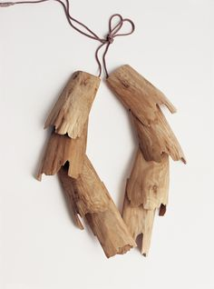 Dorothea Prühl - Habicht (Hawk), 2006 necklace, elm wood - H 40 cm