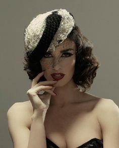 Paz Vega    a lady with a cat onto YOU CAN LEAVE YOUR HAT ON