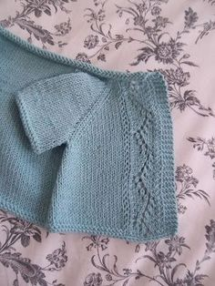 Free patter: Baby Lace Vine Cardi