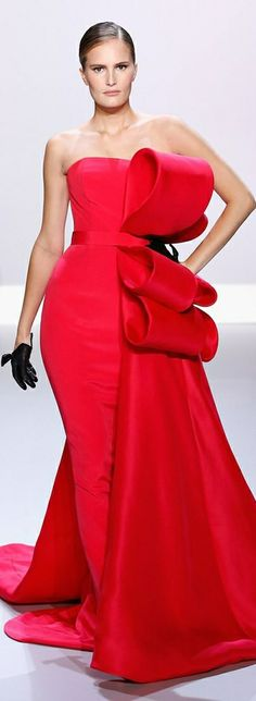 Catwalk photos and all the looks from Ralph & Russo Spring/Summer 2014 Couture Paris Fashion Week Style Couture, Couture Fashion, Fashion Show, Fashion Design, Paris Fashion, Fashion Fashion, Fashion News, Ralph & Russo, Photography Tattoo