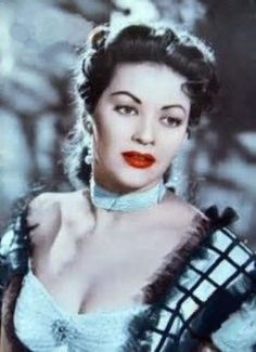 Yvonne De Carlo , around Old Hollywood Stars, Hollywood Walk Of Fame, Hollywood Actor, Hollywood Actresses, Classic Hollywood, Munsters Tv Show, Divas, Yvonne De Carlo, Italian Beauty