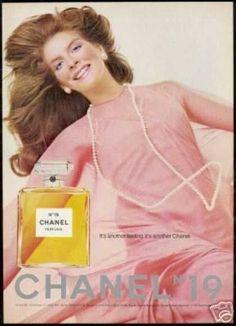 Chanel No 19 Perfume Bottle Pink Dress Photo - Rene Russo Chanel 19, Coco Chanel, Perfume Chanel, Jean Shrimpton, Cosmetics & Fragrance, Fragrance Parfum, Giorgio Armani, Perfume Adverts, Fragrance