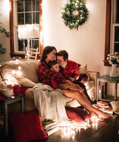 Family Photographer New York Winter Family Photos, Family Photos With Baby, Family Christmas Pictures, Family Picture Poses, Family Christmas Cards, Photo Christmas Ornaments, Christmas Cake Decorations, Family Posing, Christmas Is Coming