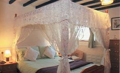 Four Poster bed at Rosewood Cottage, Staffordshire