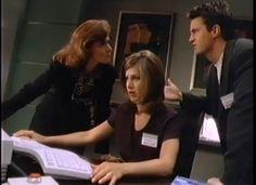 Jennifer Aniston y Matthew Perry aprenden a usar Windows 95