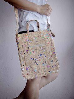 Cork Bag Schultertasche aus recyceltem Kork mit von ByCopala