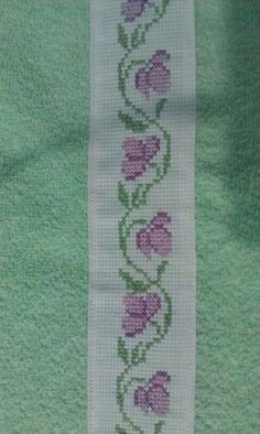 This Pin was discovered by Fat Cross Stitch Boarders, Mini Cross Stitch, Cross Stitch Designs, Cross Stitch Patterns, Embroidery Needles, Ribbon Embroidery, Embroidery Patterns, Bargello, Needle And Thread
