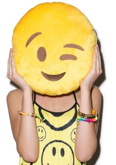 Different Emojis, Emoji Love, Simple Pictures, Pillow Fight, Hipster Fashion, Soft Pillows, Emoticon, Smiley, Funny Gifts