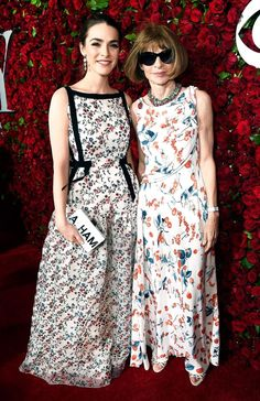 Anna Wintour wore a flowery gown and her classic shades during the 2016 Tony Awards. Daughter Bee Shaffer even matched!