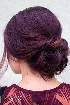 Nice 28 Elegant and Simple Bun Hairstyles Ideas for Long Hair. More at http://aksahinjewelry.com/2017/08/15/28-elegant-simple-bun-hairstyles-ideas-long-hair/