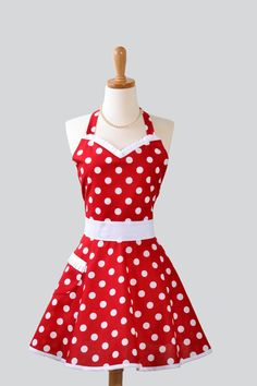 I want to make this! Womens Sweetheart Hostess Apron : Cute Retro Ruffled Sweetheart in Red and White Polka Dot