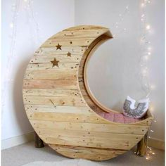 Goodnight, moon. (It's a toddler bed!)