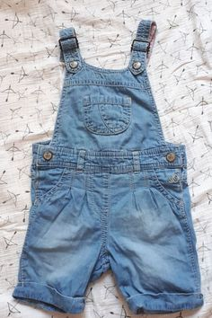Nice _ --> Discover more cool denim style in your area with shpock Denim Style, Denim Fashion, Overall Shorts, Overalls, Nice, Jeans, Stuff To Buy, Women, Work Wardrobe