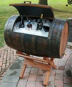 ゝ。Wine Barrel Ice Chest