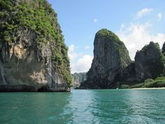 10 Things To Do in Thailand - Pin now, plan your Asia travels later!