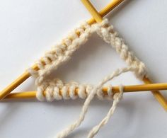 Getting started knitting with double pointed needles: picture tutorial