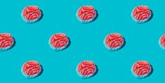 Here's What Sugar Really Does to Your Brain, According to a Neuroscience Expert When you repeatedly activate that reward system, your brain adapts and actually rewires itself, and you crave more and more. And research on rats turned up this finding: When they were fed high-sugar diets, the rats' brains released less of a certain chemical that helps bodies put on the brakes, so they were less able to stop eating it. Veggie Burger Brands, Best Veggie Burger, Vegan Burgers, Healthy Sugar, Healthy Foods To Eat, Healthy Life, Green Smoothie Recipes, Healthy Smoothies, Plant Based Burgers