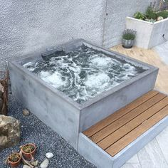 CONCRETE WHIRLPOOL | DESIGN EXAMPLE - Designer Outdoor whirlpools from Dade Design AG concrete works Beton