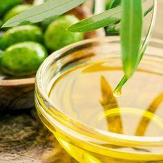 DIY-Geschenkidee: Rezept für Olivenöl Lippenbalsam, für eine Extraportion Pflege und Feuchtigkeit ...