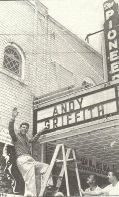 Andy Griffith plays the Pioneer Theater in Downtown Manteo