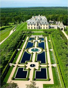 Oheka Castle, NY Oheka Castle was a product of the over-the-top Gilded Age homes, and is considered the second largest private home in the U. (behind Biltmore). Beautiful Castles, Beautiful Gardens, Beautiful Places, Landscape Architecture, Landscape Design, Garden Design, Architecture Design, Formal Gardens, Parcs