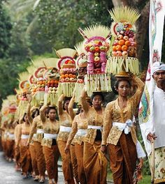 A traditional village ceremony, Bali, Indonesia Bali Travel, New Travel, Travel Style, Travel Fashion, Bali Lombok, Denpasar, We Are The World, People Of The World, Borneo