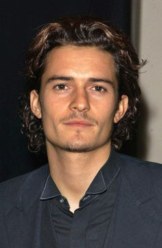 Gorgeous. | 25 Little Reminders Of How Gorgeous '00s Orlando Bloom Was
