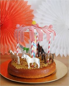The carousel cake carousel - Cooking With Kids, Fun Cooking, Colorful Birthday Party, Birthday Parties, Baby Birthday, Birthday Cake, Carousel Cake, Horse Cake, Cake Tutorial