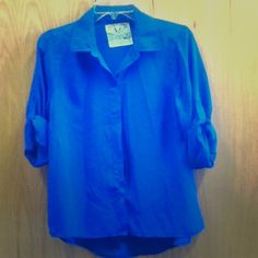 Blue Button Down Royal blue, short-sleeved button down. Back comes down a little lower, so it's a good shirt to wear with leggings! Has been worn but is in good condition. Tops Button Down Shirts Basic Wardrobe Essentials, Wardrobe Basics, Button Downs, Button Down Shirt, Fashion Design, Fashion Tips, Fashion Trends, Cool Shirts, Royal Blue