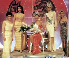 Miss Universe 1992, Michelle McLean from Namibia, flanked by 4 former Miss Universe, from right: Apasra Hongsakula (1965 from Thailand), Porntip Nakhirunkanok (1988 from Thailand), Lupita Jones (1991 from Mexico) and Angela Visser (1989 from Holland). in Bangkok, Thailand.