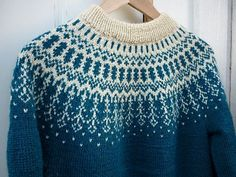 Free pattern by Olaug Kleppe knitting - could I use chart for a tapestry crochet yoke? Free pattern by Olaug Kleppe knitting - could I use chart for a tapestry crochet yoke? Fair Isle Knitting Patterns, Jumper Patterns, Fair Isle Pattern, Sweater Knitting Patterns, Knitting Charts, Free Knitting, Knitting Sweaters, Crochet Patterns, Pull Bleu