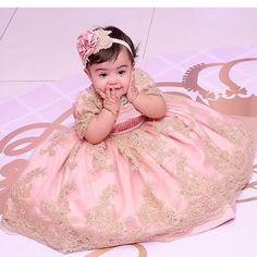 Uma princesa mesmo!!! Lavínia de @luluzinhamap veste Cecilia Cavalcante!!! Tiara por @mimos_de_princesa_rn foto linda por @estudiodobebe