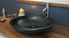 La rénovation d'une salle de bain sans tout changer grâce à des idées simples vous intéresse ? Revêtement sol, peinture, galets, accessoires 10 idées pas chères