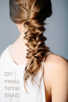 Messy Fishtail Braid DIY Messy Fishtail Braid: Slightly messy and boho looking, this is a great braid for many occasions.DIY Messy Fishtail Braid: Slightly messy and boho looking, this is a great braid for many occasions. Fishtail Braid Wedding, Messy Fishtail Braids, Fishtail Braid Hairstyles, Wedding Hairstyles For Long Hair, Weave Hairstyles, Pretty Hairstyles, Fishbone Braid, Twisted Braid, Crown Braids