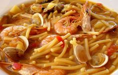 Fideos caldos con almejas gambas y calamar Güveç yemekleri - Güveç yemekleri - Las recetas más prácticas y fáciles Seafood Recipes, Mexican Food Recipes, Cooking Recipes, Healthy Recipes, Ethnic Recipes, Spanish Dishes, Spanish Food, Mediterranean Recipes, Fish And Seafood