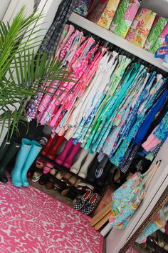 Tips on how to Organize A Closet and Save Time Getting Dressed Each Morning! Lilly Pulitzer Hunter Boots
