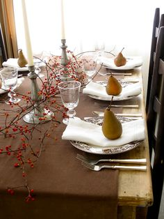 Thanksgiving Table : Pears, Bittersweet, Velvet & Linen