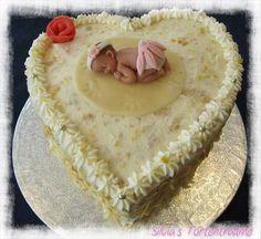 Silvia's Tortenträume: Giotto-Sahne lecker Giotto Schmetterling Deko Torte Kuche  Cake Herz Baby Rezept: https://www.facebook.com/SilviasTortentraeume/photos/pcb.592800494154276/592799620821030/?type=1&theater