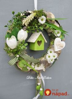 Spring wreath with cute house Spring Door Wreaths, Easter Wreaths, Summer Wreath, Christmas Wreaths, Christmas Decorations, Wreath Crafts, Diy Wreath, Spring Crafts, Holiday Crafts