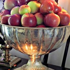 Life is just a bowl of apples... a beautiful bowl, with beautiful apples.